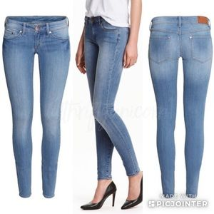 🦄🆕 H&M Super Skinny Super Low Waist Jeans 31/32